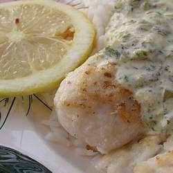 Merluza con salsa blanca